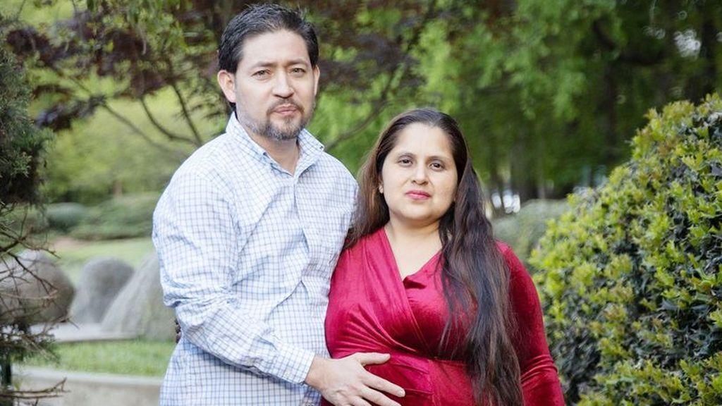 """Da a luz a su decimosexto bebé tras su """"embarazo más duro"""" pero está dispuesta a tener más"""