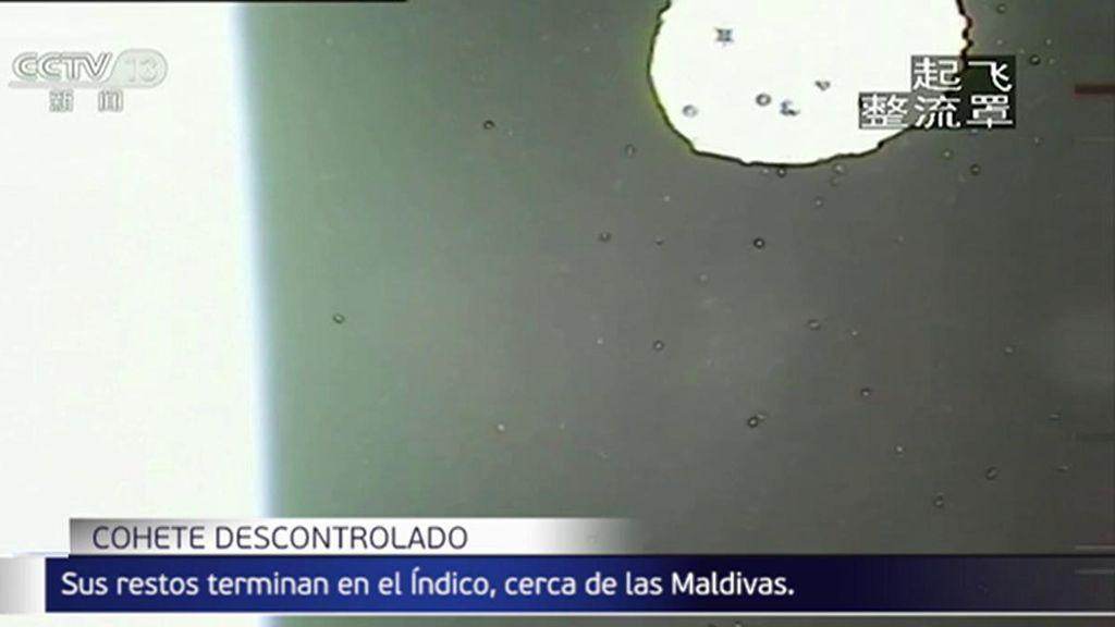 Los restos del cohete pesado lanzado por China caen en el Océano Índico, cerca de Maldivas