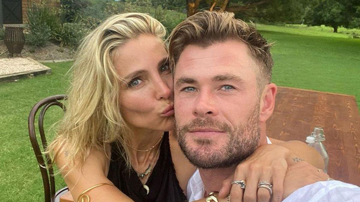 """Chris Hemsworth felicita a Elsa Pataky, a su madre y """"a todas las mujeres brillantes"""""""
