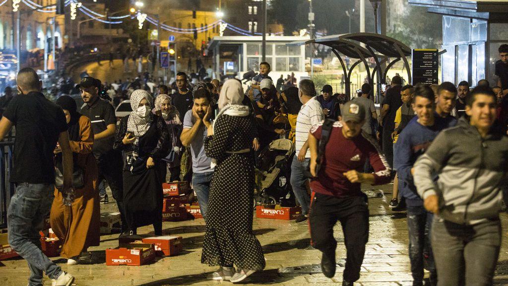300 heridos en los enfrentamientos entre palestinos y la Policía israelí en Jerusalén desde el viernes