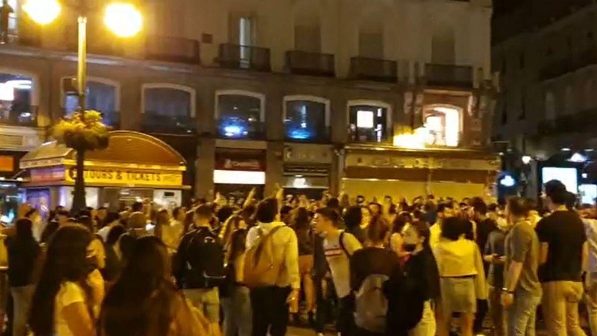 La Policía Municipal de Madrid ha realizado más de 450 intervenciones por aglomeraciones esta noche