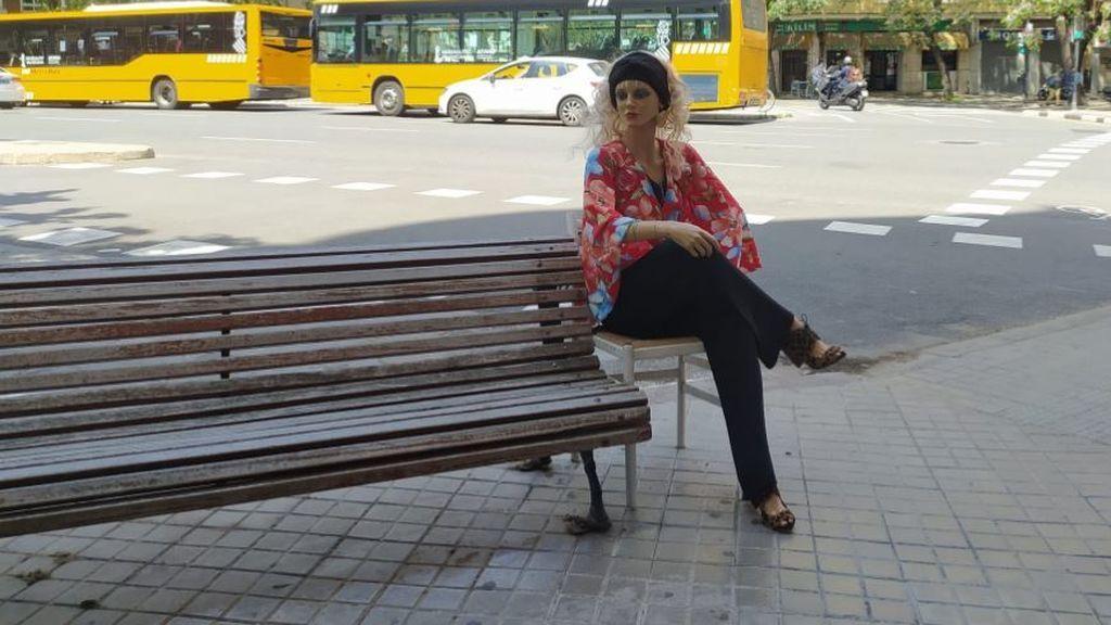 Lola, la maniquí que ya es 'una vecina más' en Valencia