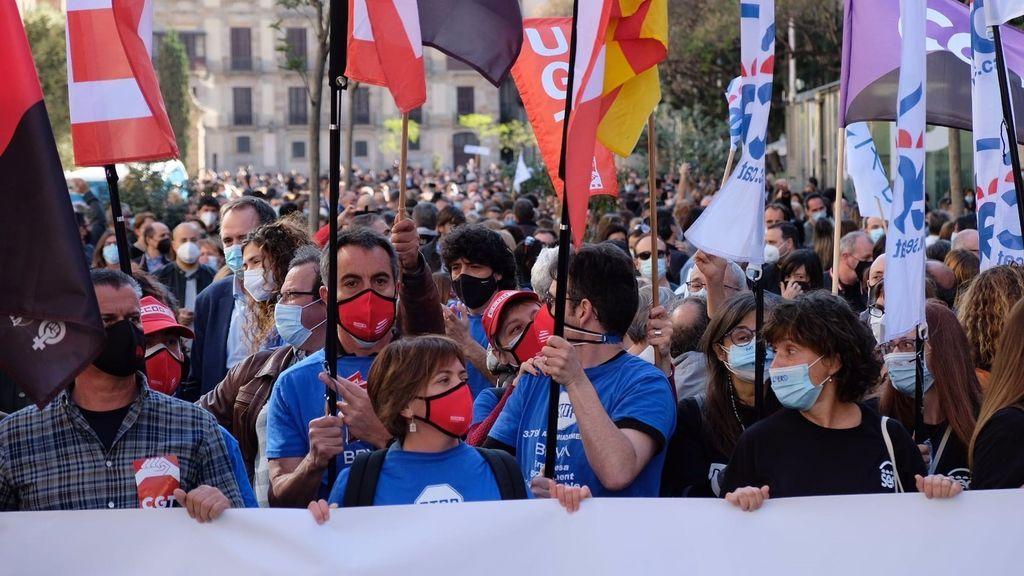 Más de 6.000 trabajadores se movilizan contra el ERE de BBVA en 15 ciudades españolas, según CC.OO.