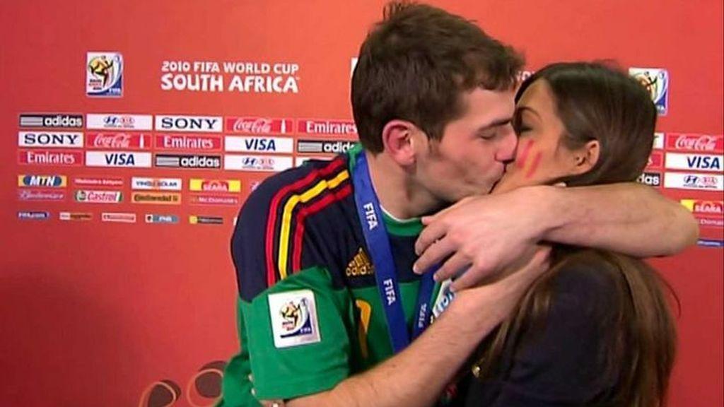 El beso de Sara e Iker ha pasado a la historia.