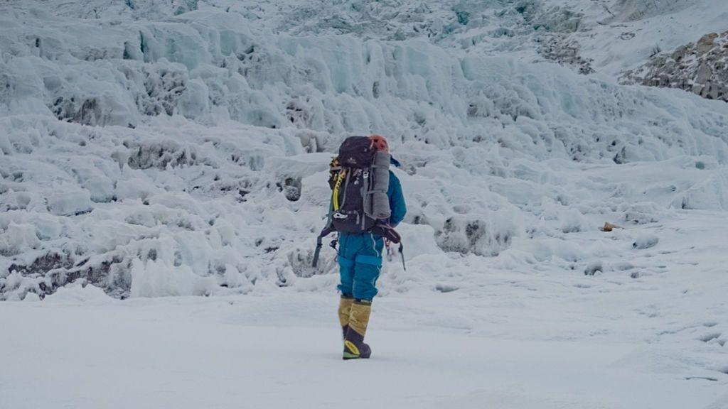 El alpinista Alex Txikon y su equipo ponen fin a su expedición en el Everest por el avance del coronavirus