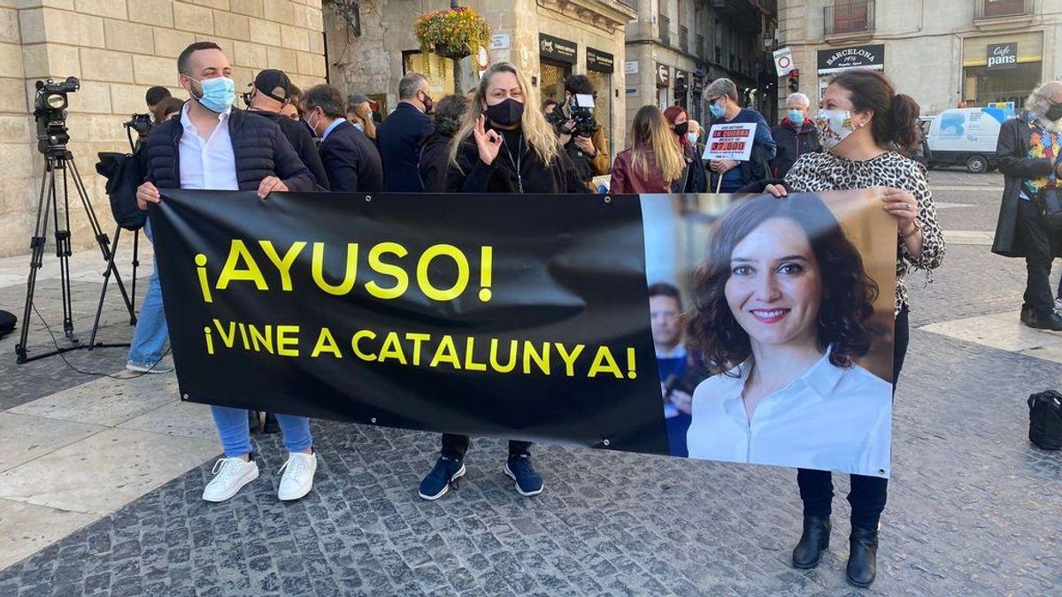 """Los representantes del ocio nocturno se manifiestan en Barcelona: """"¡Ayuso, ven a Cataluña!"""""""