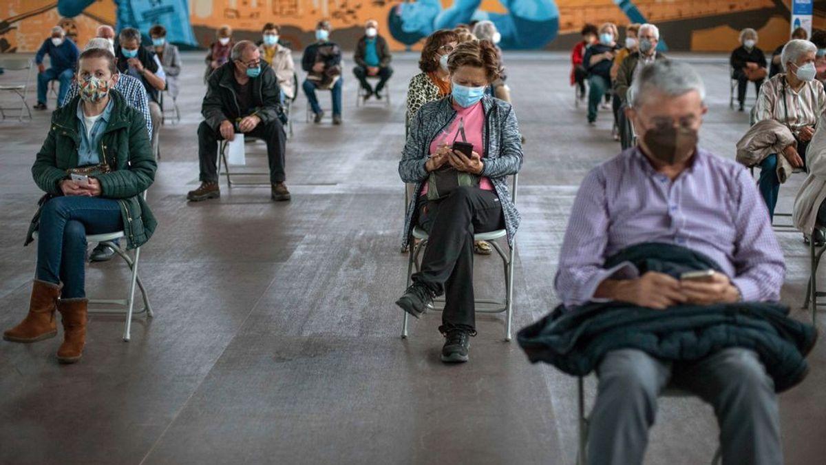 Los contagios siguen en descenso en España