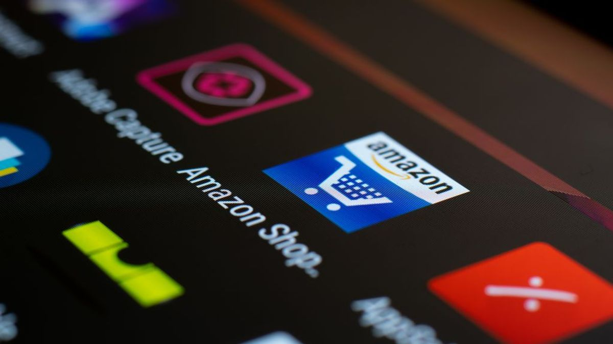 Descubren a 230.000 personas que publicaban reseñas falsas en Amazon a cambio de productos gratuitos