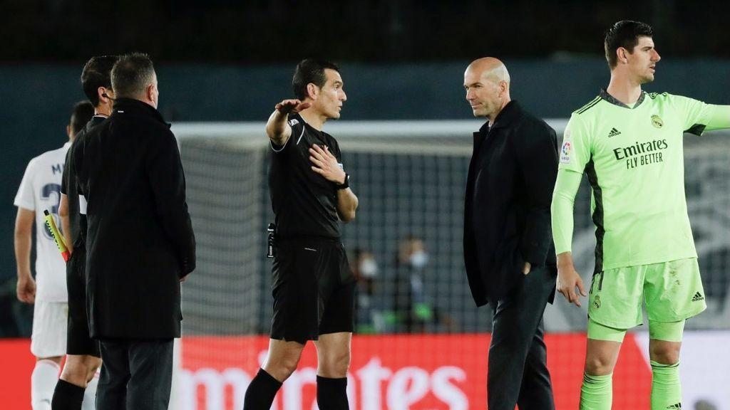 """Zidane: """"No me convenció la explicación del árbitro. Estoy enfadado"""""""