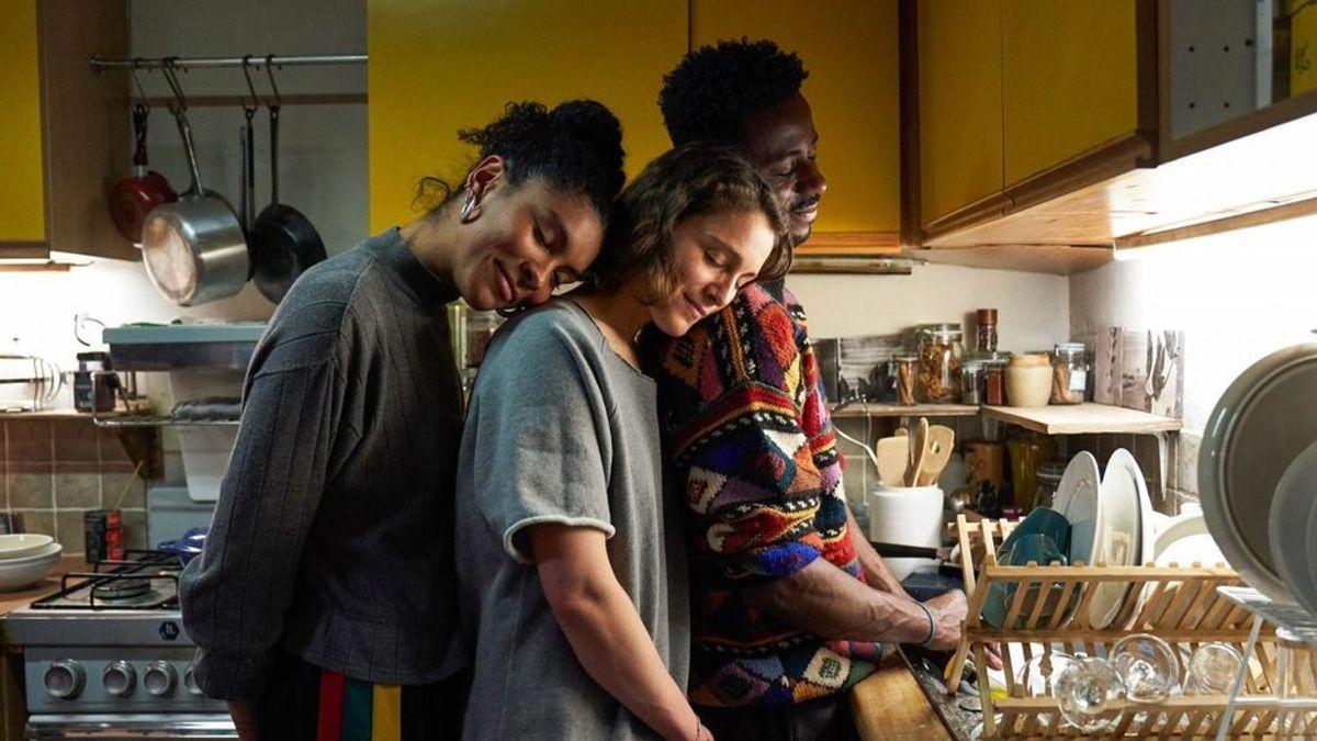 """Elena, Cristina y Eloy nos cuentan cómo es ser una trieja sin tabúes: """"Hay vida más allá de las relaciones convencionales"""""""