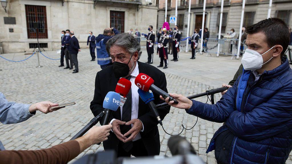 """Tras su """"no""""a Botella, el PSOE de Madrid dice no saber por qué está en contra de la medalla a Trapiello"""
