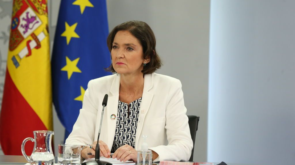 EuropaPress_3702247_ministra_industria_comercio_turismo_reyes_maroto_rueda_prensa_posterior