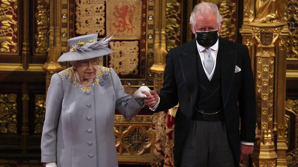 Así ha sido la reaparición dela reina Isabel II en la apertura del Parlamento británico