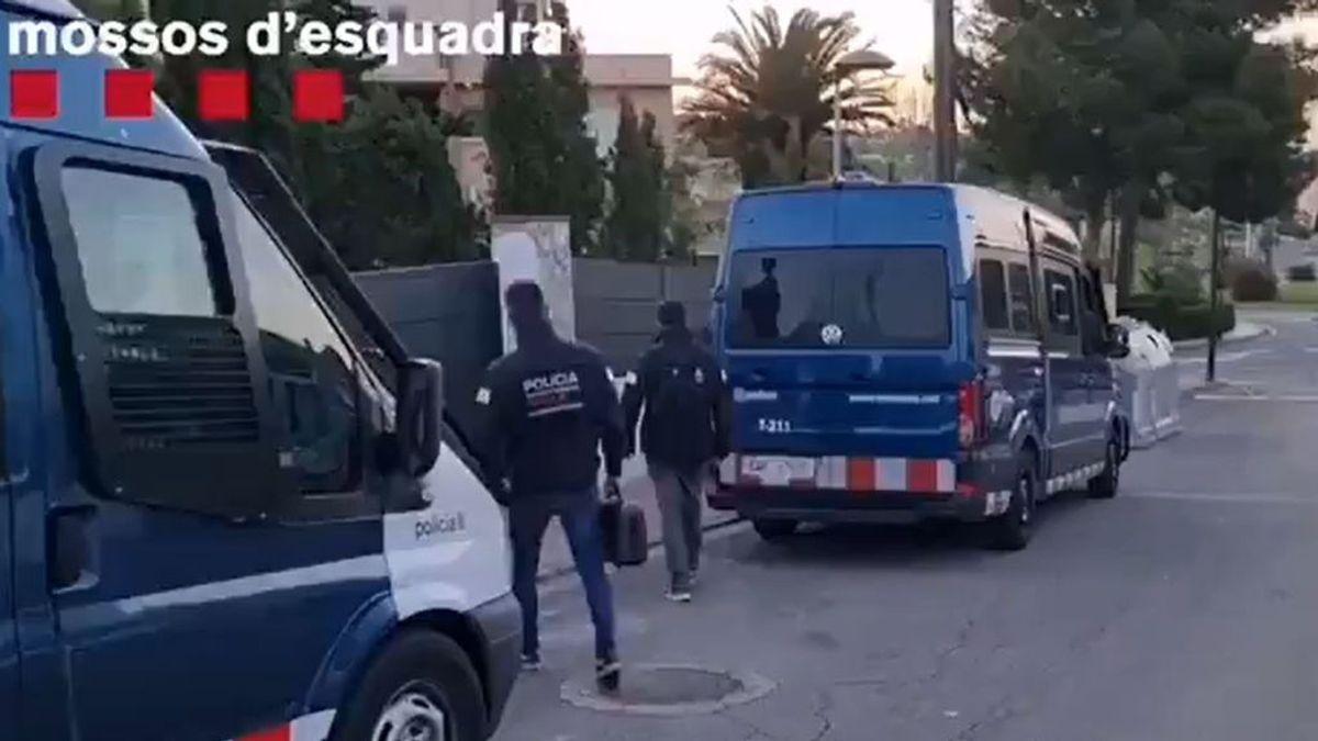 Encuentran un cadáver en el maletero de un coche en Lleida