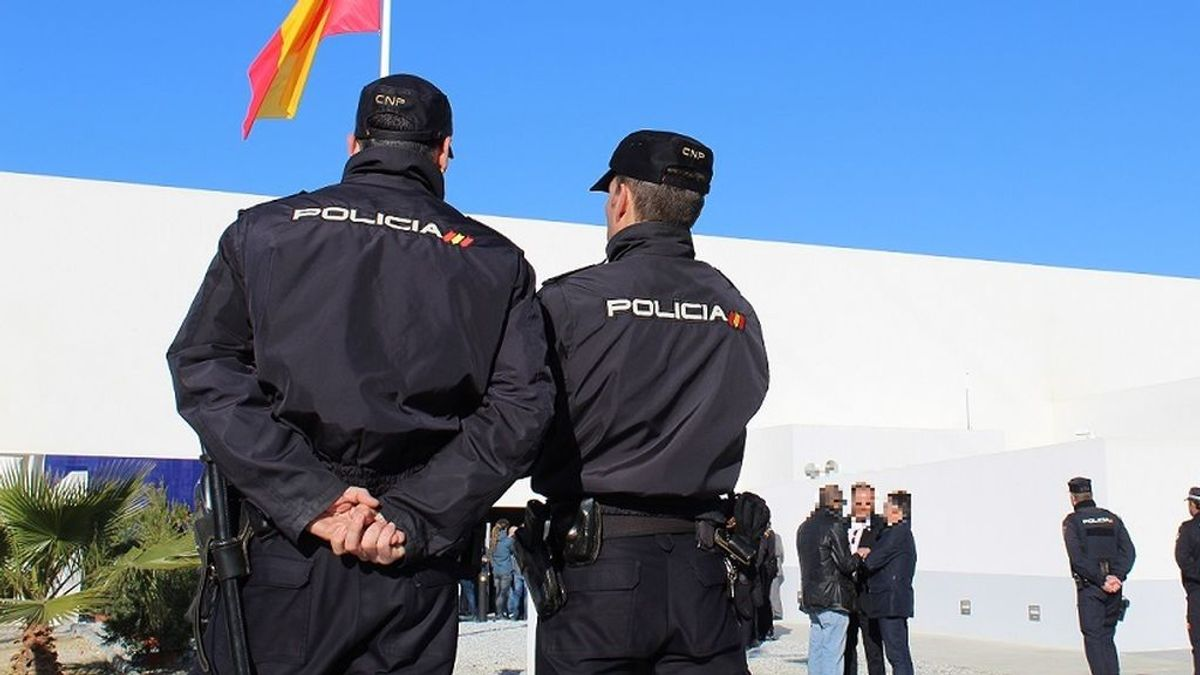 La Policía aclara que quiénes son los agentes de un vídeo con música de fiesta de fondo