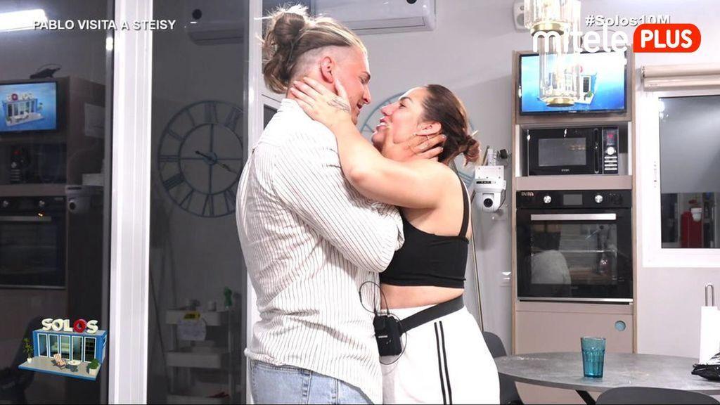 Steisy, emocionada con la visita de su novio Solos Steisy y Manuel Diario 9