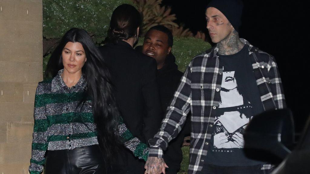 """Travis Barker comparte en redes una vela con olor al """"orgasmo"""" de su novia Kourtney Kardashian"""