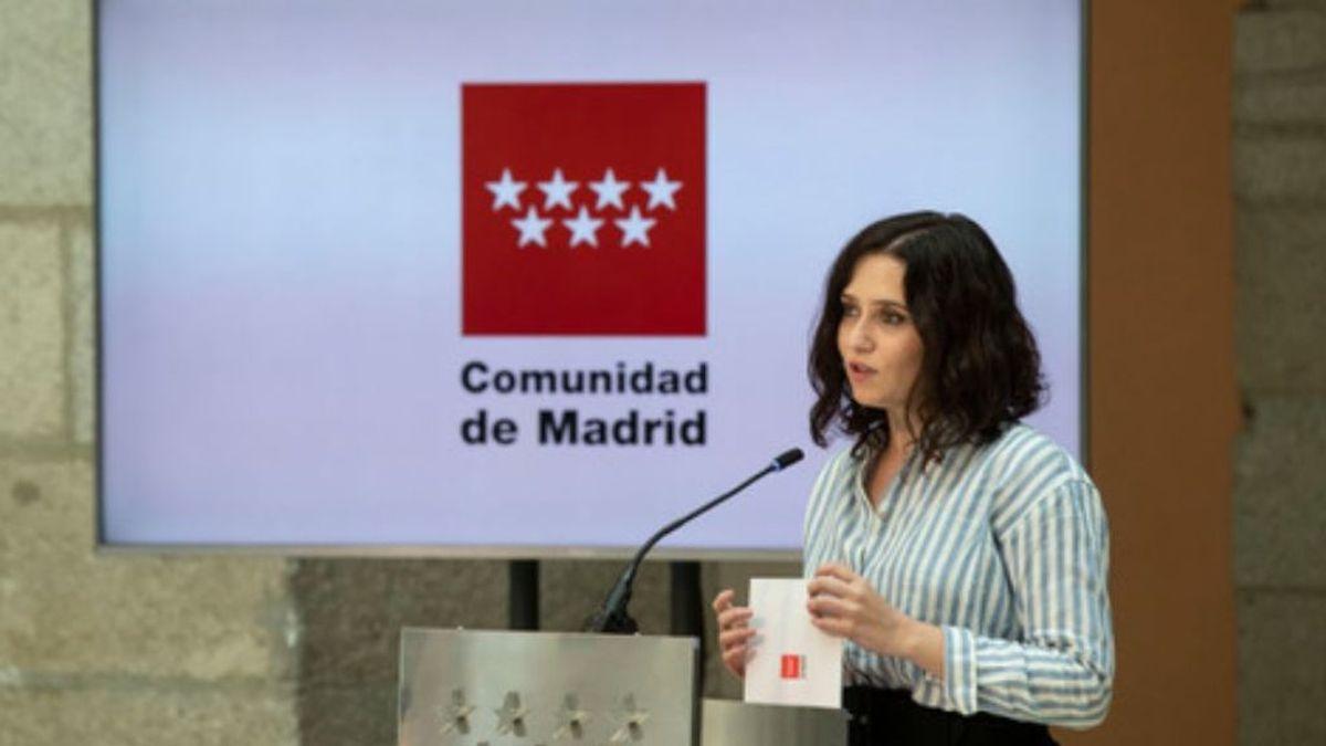 """Ayuso exige al Gobierno que no """"criminalice"""" a los madrileños  por el veto del turismo británico"""