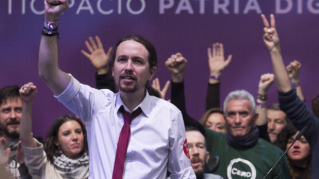 Pablo Iglesias con corbata fina