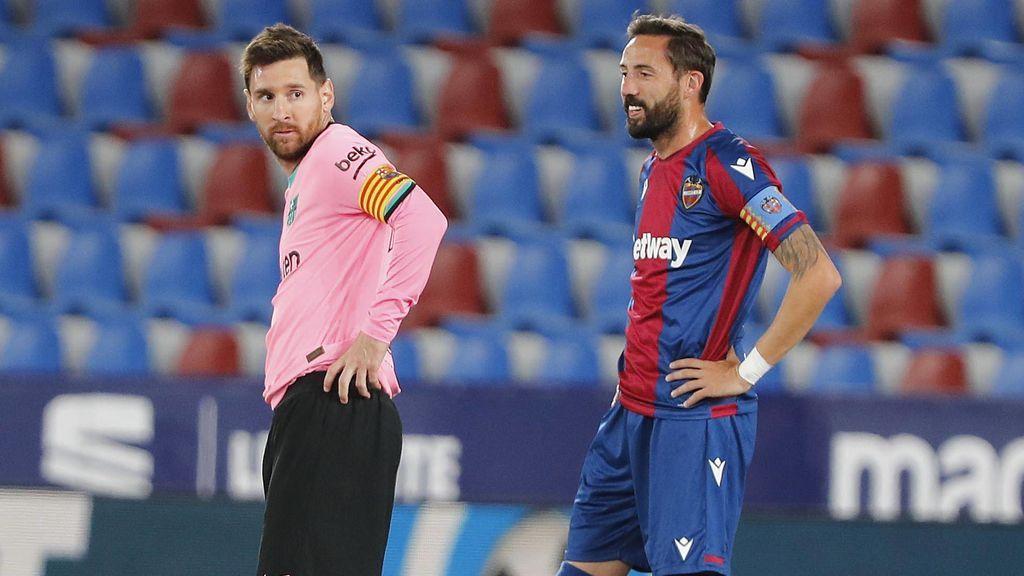 El Barcelona deja vía libre a Atlético y Real Madrid en la Liga.