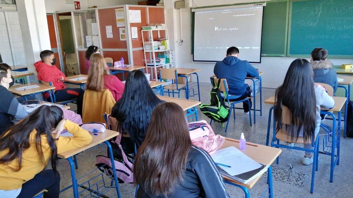 Extremadura plantea vacunar a escolares de entre 12 y 16 años antes de que comience el próximo curso
