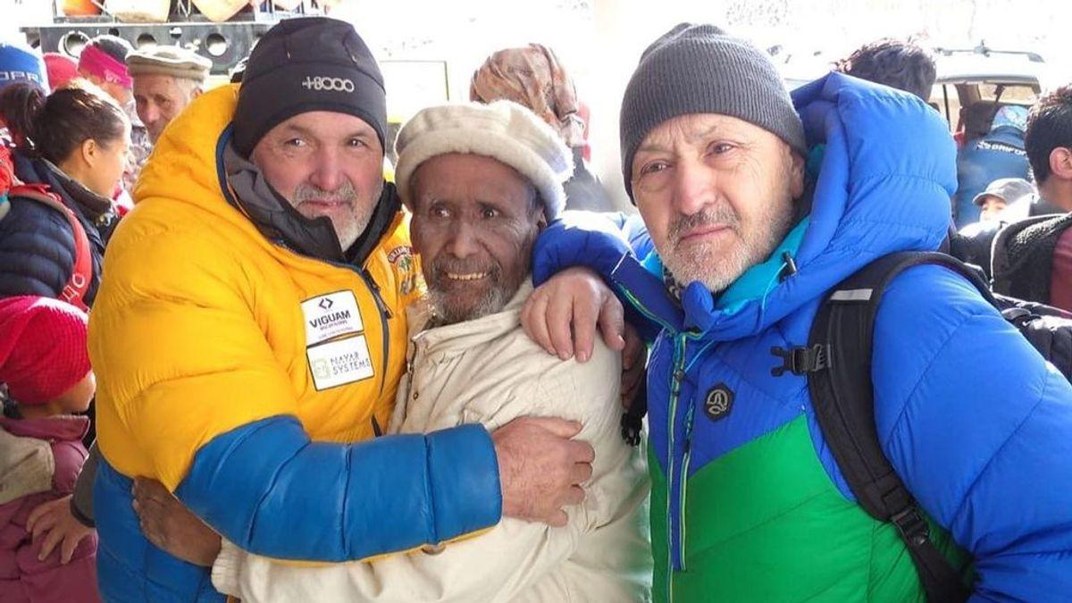 Juanito Oiarzábal y Sebastián Álvaro, atrapados en Katmandú, piden ayuda para salir de Nepal y volver a España