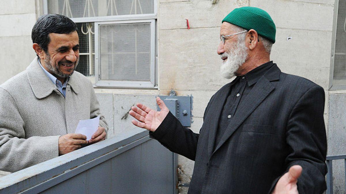 Ahmadineyad presenta su candidatura a las elecciones presidenciales de junio en Irán