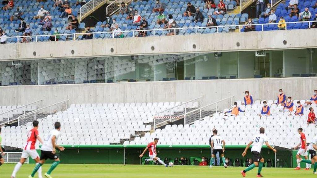 Vuelve el público a los estadios en las comunidades con incidencia baja: Madrid y Cataluña, excluidas