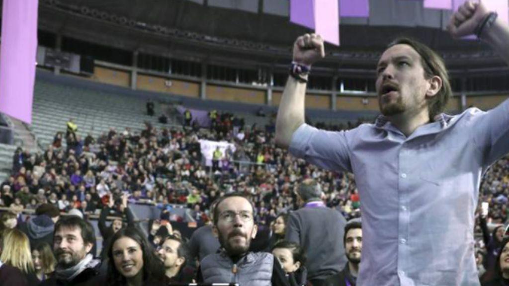 Pablo Iglesias con coleta en Vistalegre