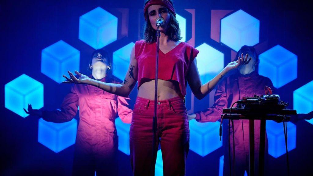 Zahara presenta en Madrid su disco 'Puta' ante un público elegido en redes sociales