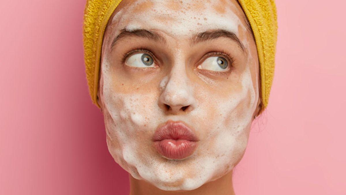 Maskné, el temido acné provocado por la mascarilla: estos son los trucos para evitar su aparición.