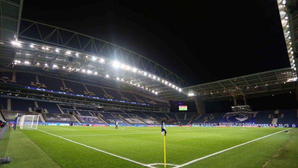 La UEFA traslada la final de la Champions de Estambul al estadio do Dagrao de Oporto