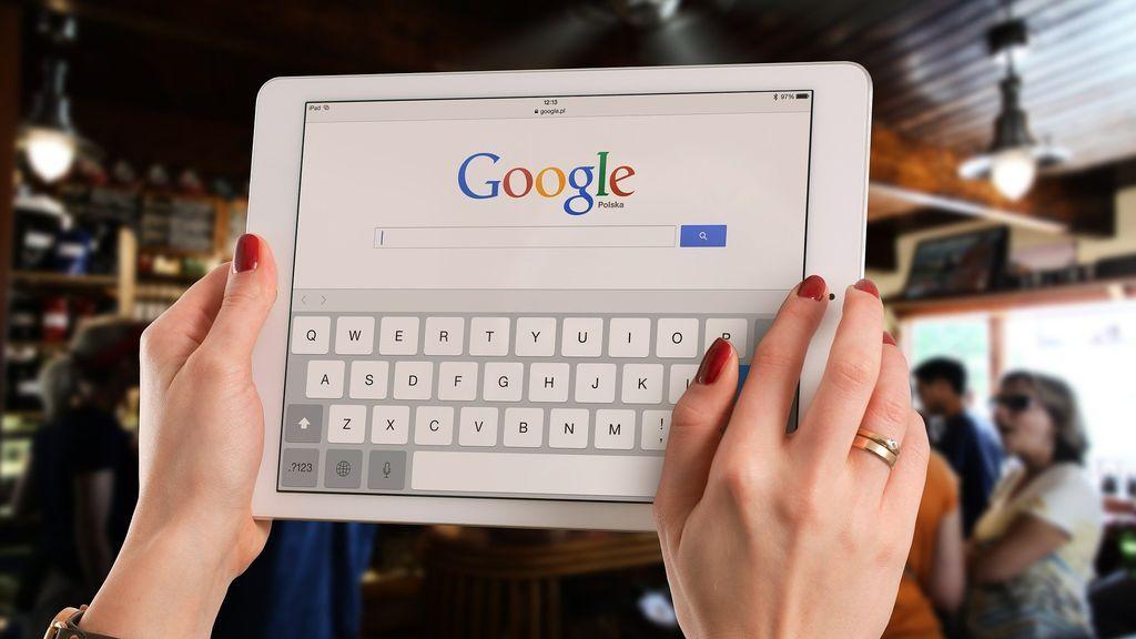 Cómo configurar el modo oscuro de Google