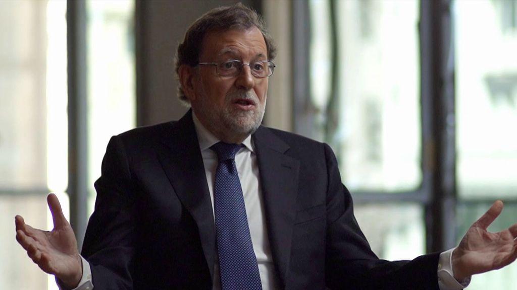 """Mariano Rajoy, tras escuchar las críticas de Abascal: """"Algo hemos hecho algunos por España, a ver qué hacen otros"""""""