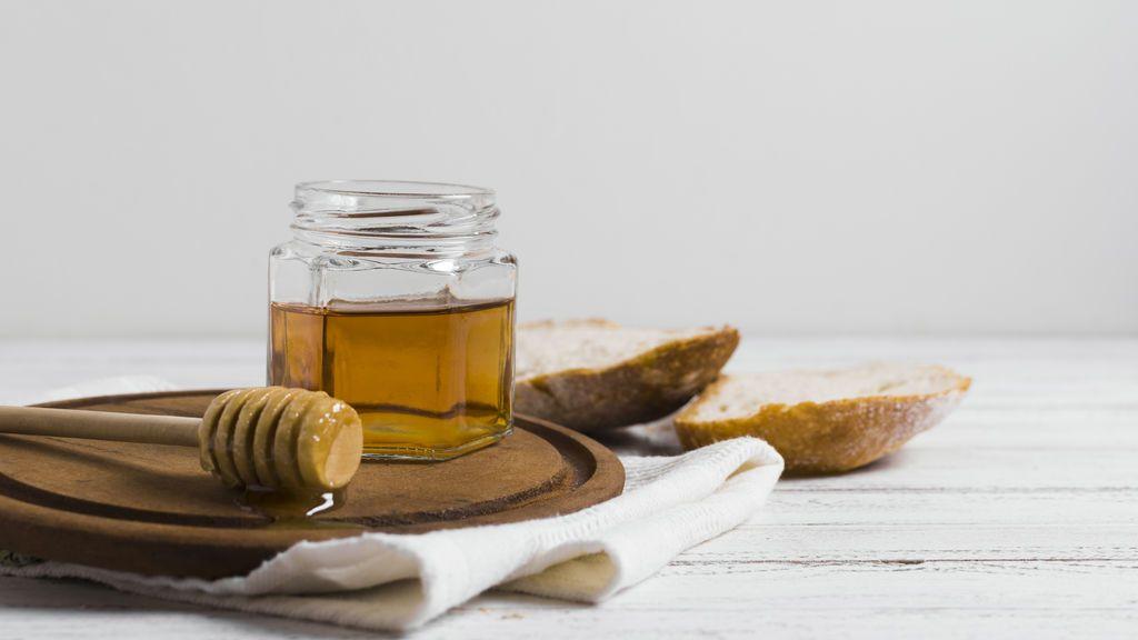Incluir la miel en tus desayunos es mucho más que añadirles sabor: descubre todos los beneficios de este alimento natural para tu salud