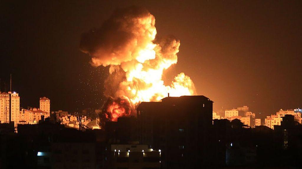 Israel y Hamás intensifican sus ataques en otra noche de violencia