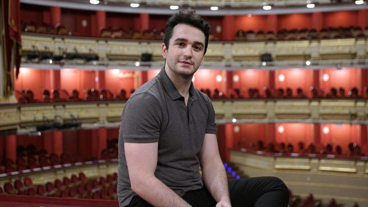 """Xabier Anduaga, mejor cantante joven en los Oscar de la Opera: """"La presión me motiva"""""""