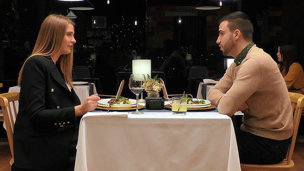 Svetlana, a Pedro: ¿Cuántos idiomas habla tu loro?