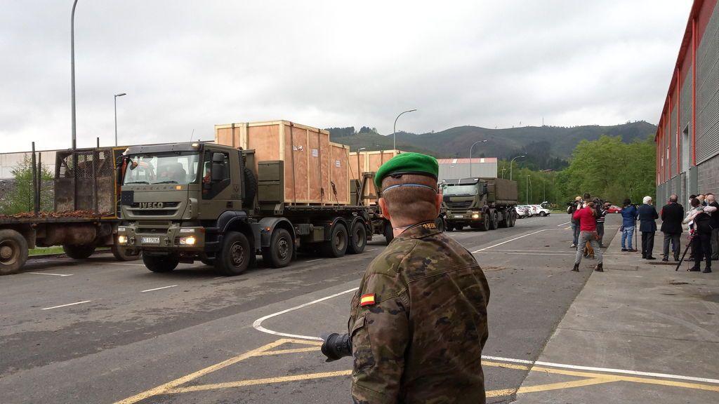 EuropaPress_2850801_militar_vigila_llegada_tres_maquinas_instalaciones_bexen_medical_dispuesto