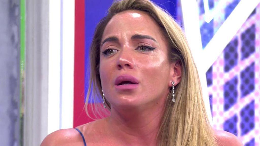Samira llora al hablar de las acusaciones que se le hacen