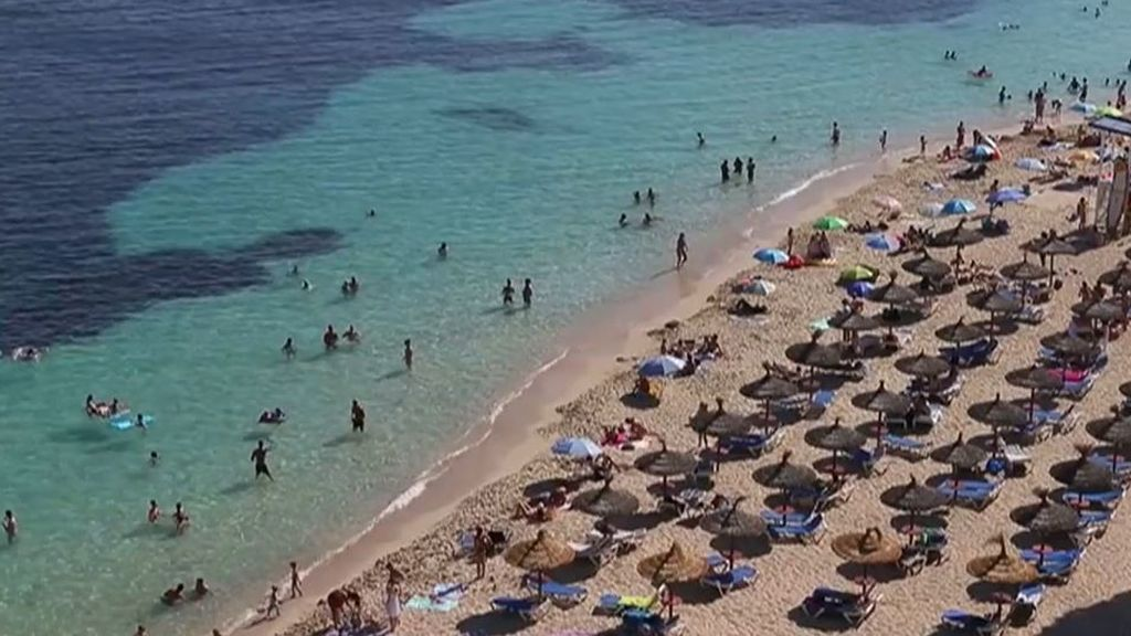 Portugal, Italia, o Grecia adelantan a España con la llegada de turistas extranjeros a sus playas