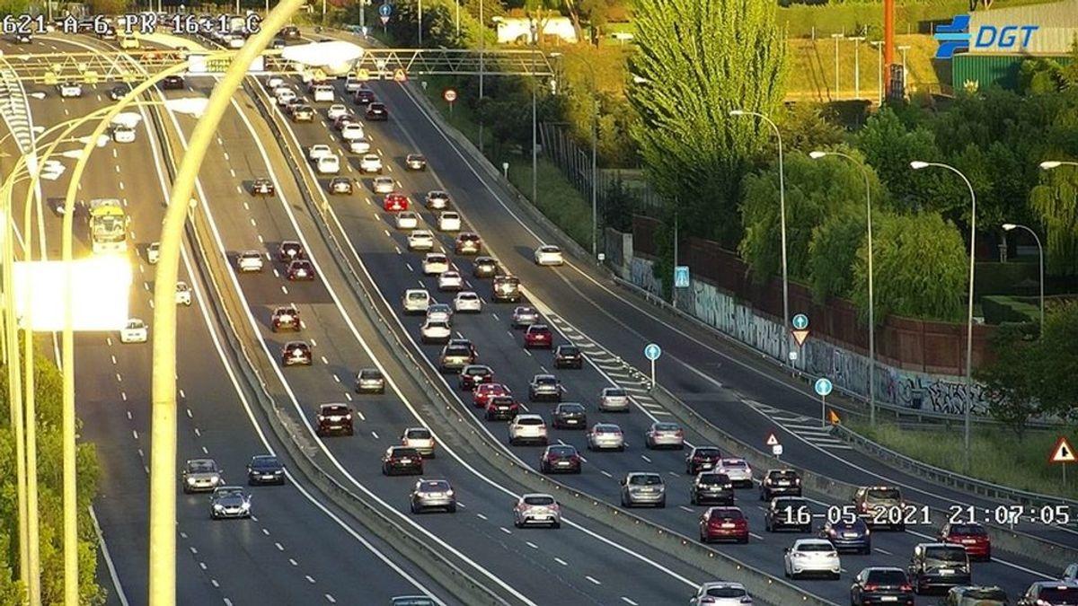 Retenciones en carretera en la vuelta a Madrid tras el primer fin de semana sin estado de alarma