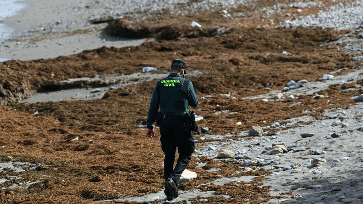 Más de un centenar de migrantes llegan a Ceuta a nado, bordeando los espigones de Benzú y el Tarajal