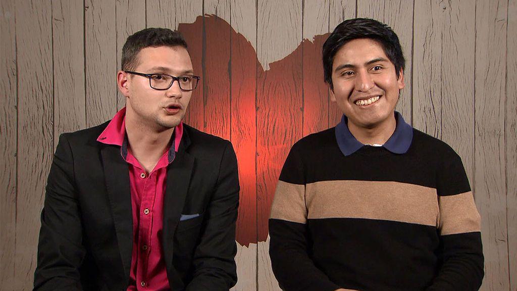 """Rafael: """"Le dije a mis padres que era gay por Facebook"""""""