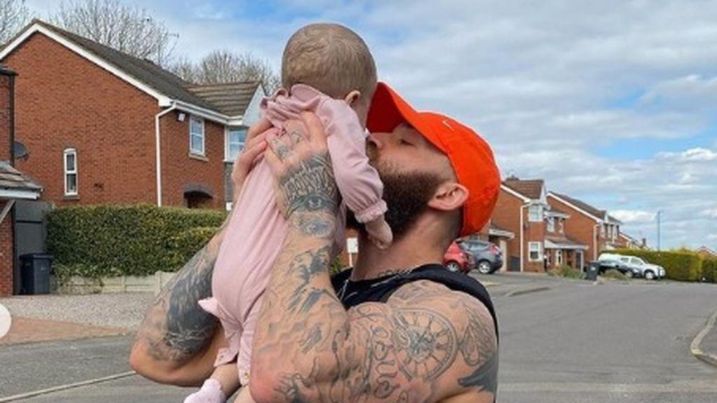 """Ashley Cain, destrozado tras la muerte de su bebé: """"El dolor de no poder ver a mi pequeña me está consumiendo"""""""