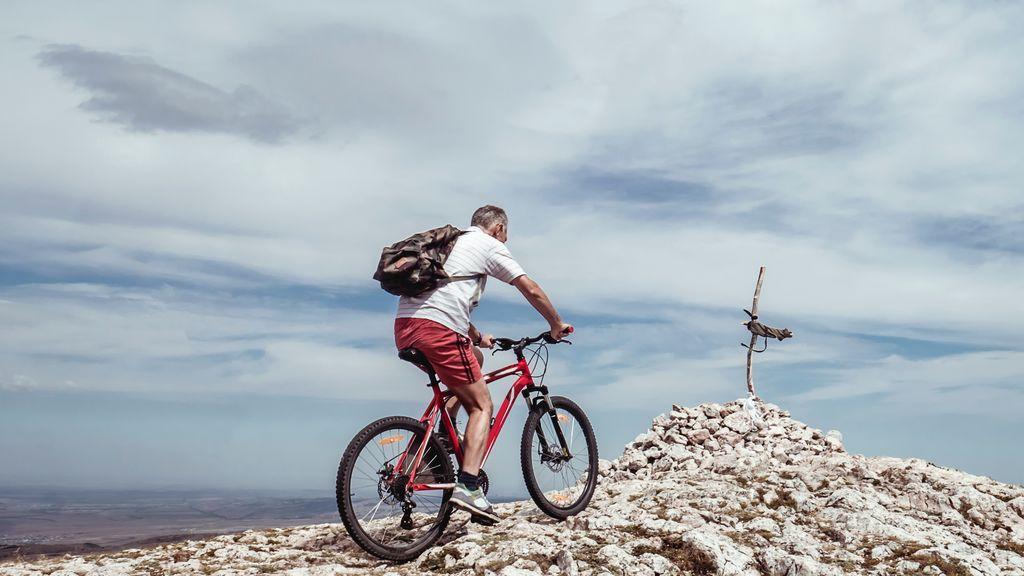Adéntrate en el ciclismo de montaña: cinco consejos para principiantes que te ayudarán a hacer tus primeras rutas