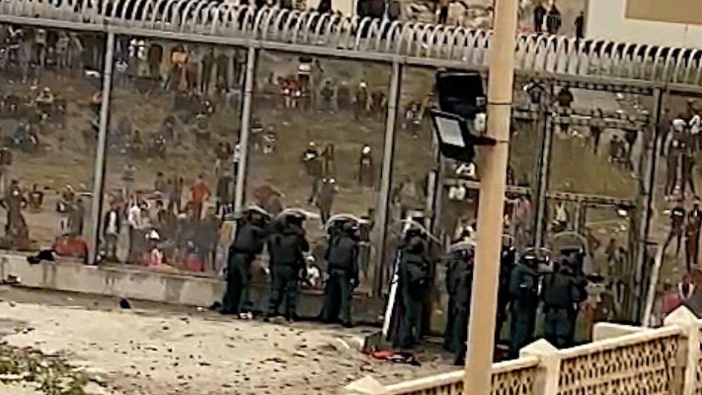 Agentes de Guardia Civil apedreados esta mañana en el espigón de Tarajal