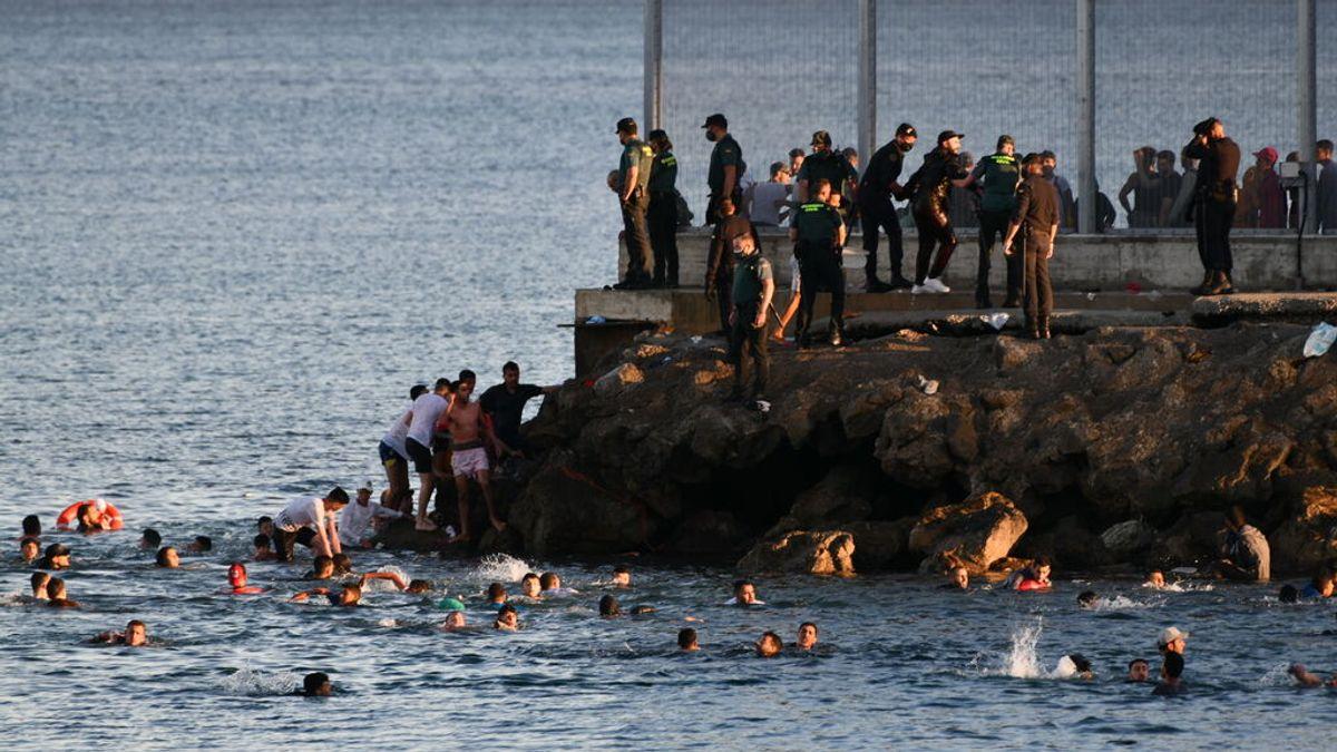 Inmigrantes entrando de forma irregular a Ceuta