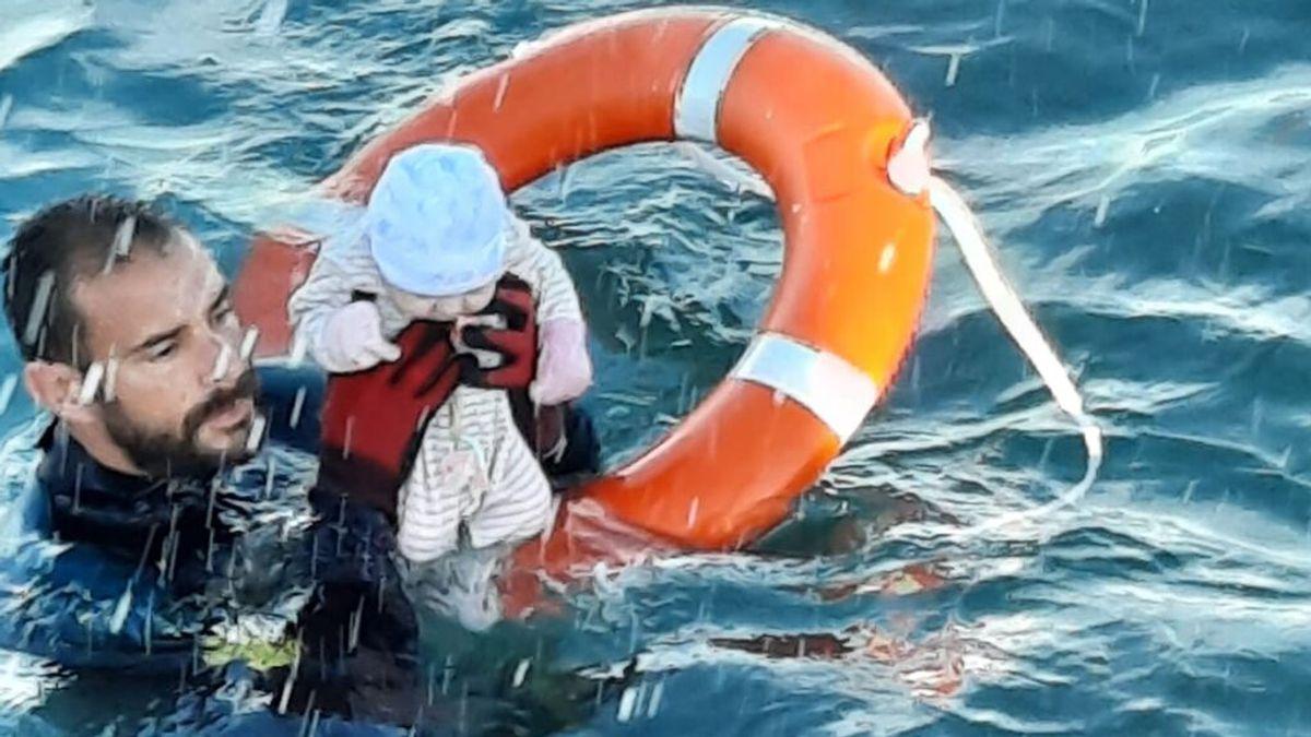 Juanfran, el guardia civil que rescató a un bebé en aguas de Ceuta