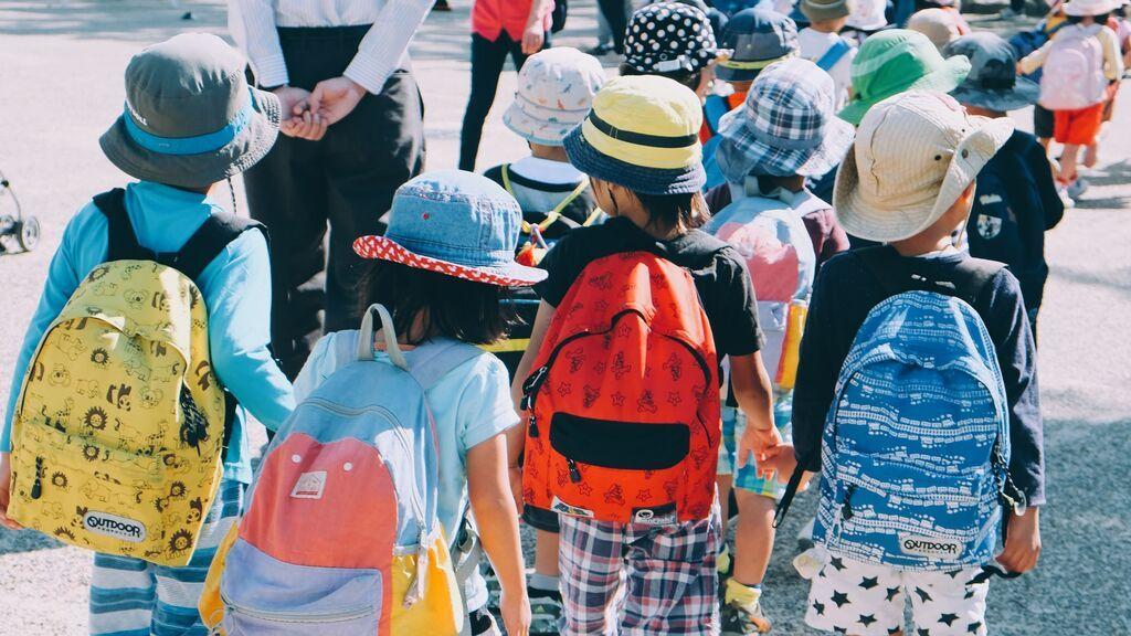 ¿Los patios del colegio perpetúan los roles de género? Un estudio sociológico demuestra que sí